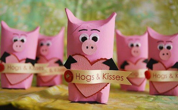 Valentines Hogs & Kisses giftwrap
