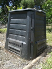 My Lidded Compost Bin